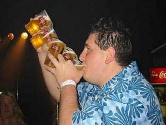 Wie man beim Open Air Bier trinkt