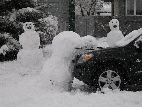 Der Auto Unfall im Schnee