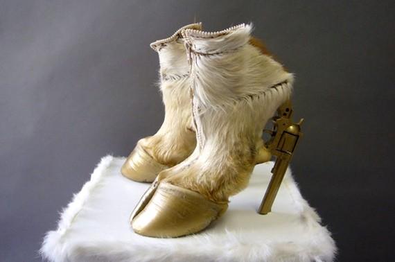 hooves-heels-01.jpg