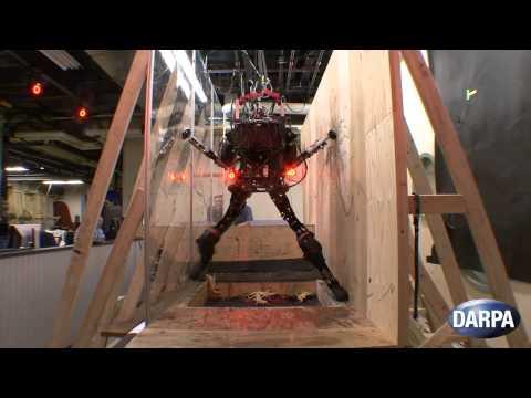 Roboter bewältigt alleine Hindernisparcour