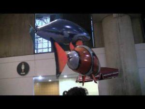 Fliegender Hai und Clown Fisch ferngesteuert