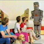Mochileiro BBC Marvin em um programa infantil