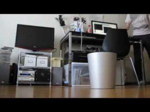Kinect-kontrollierter Smart Mülleimer