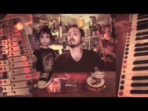 Vater covert mit seinen Kindern Depeche Mode