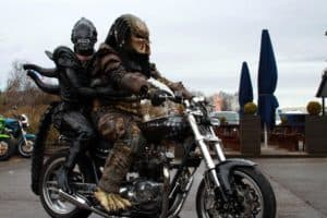 Alien i Predator: Born To Be Wild