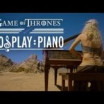 Riproduce Daenerys Game of Thrones tema sul pianoforte