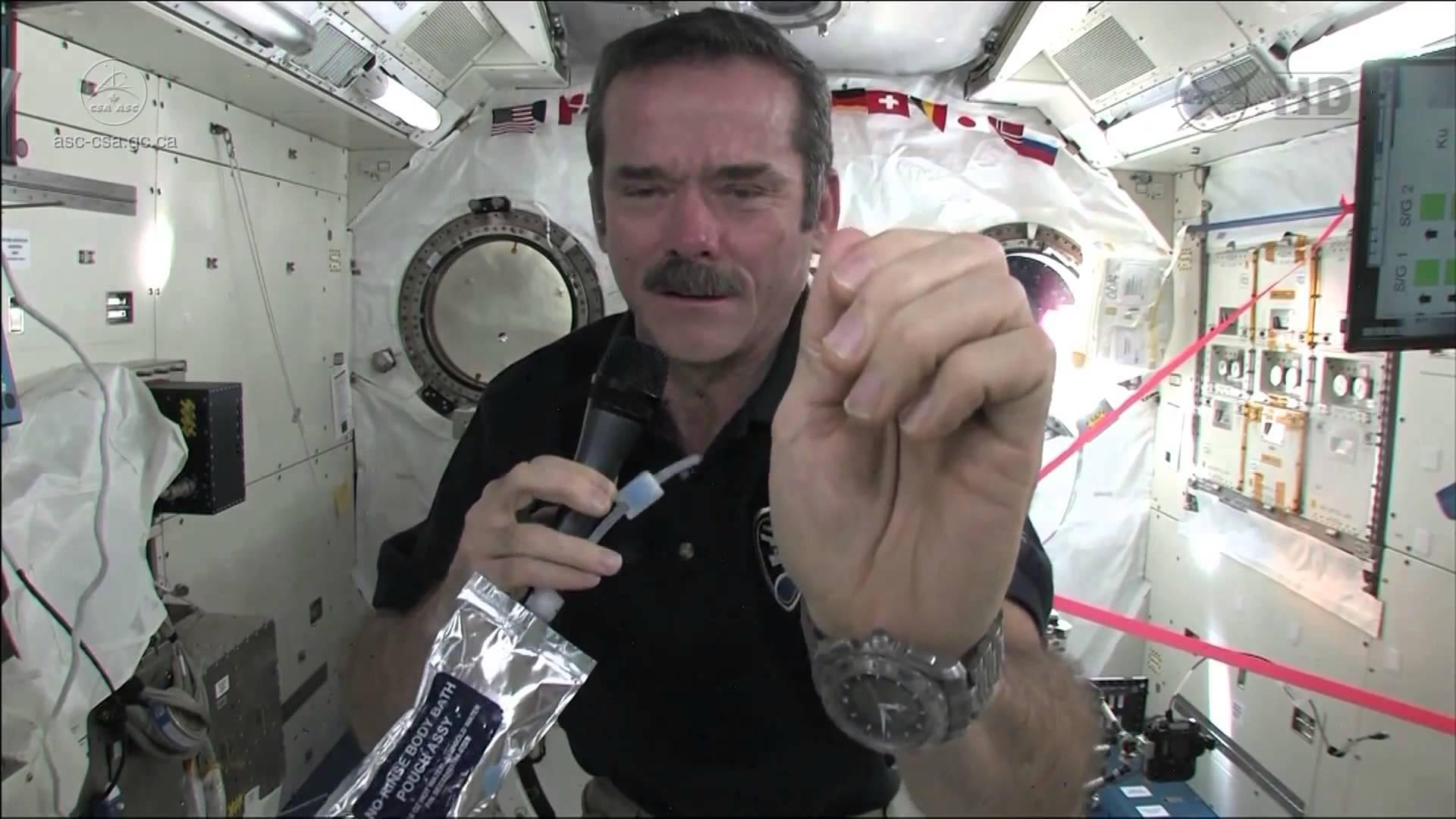 So wäscht man sich die Hände im Weltraum