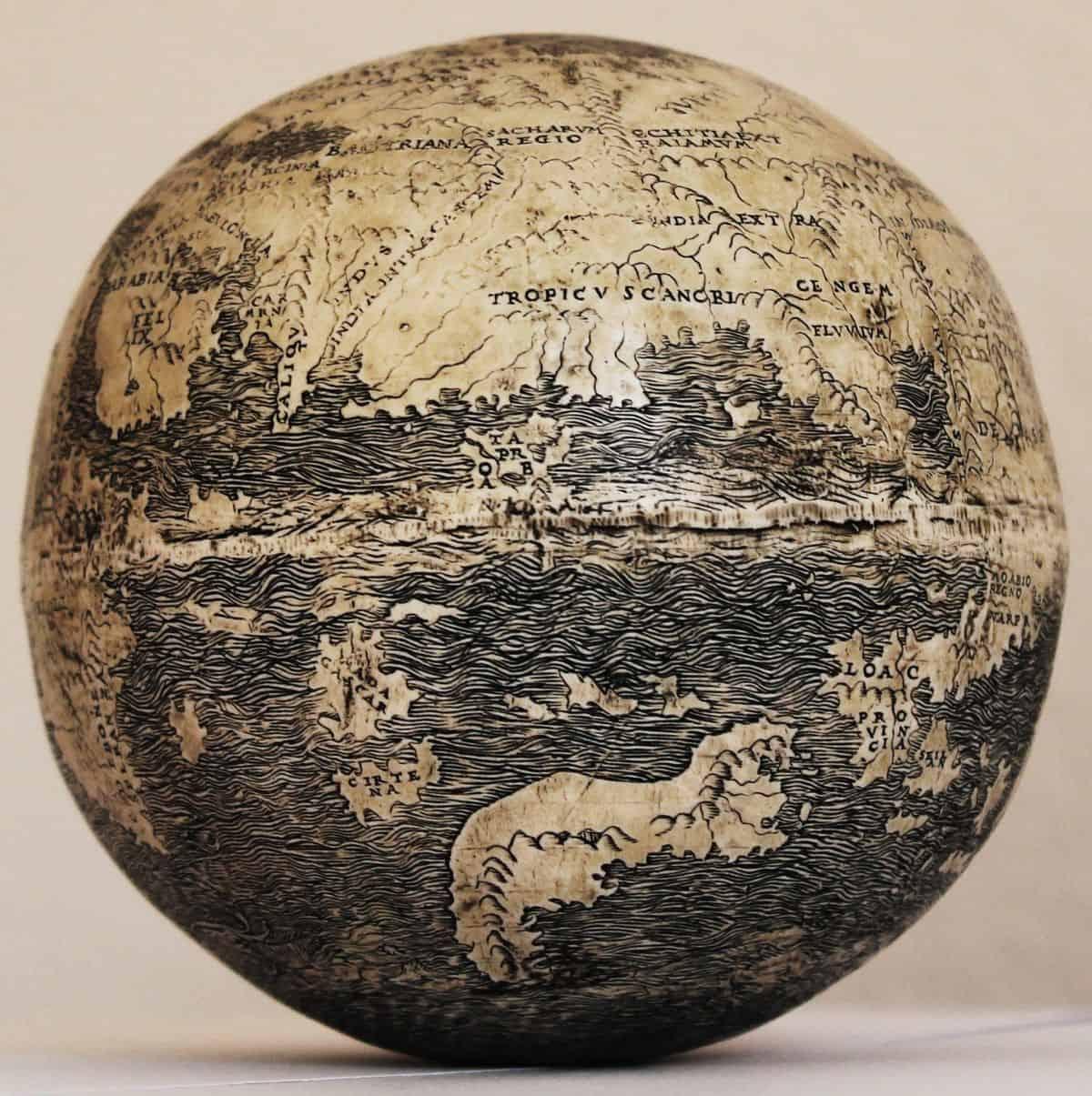 Фото старого глобуса 4