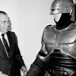 Robonixon – Nixon cumple Robocop