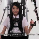 Exoskelett-Anzug für japanische Schulmädchen
