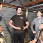 El hombre descubrió, que en su casa de la cerveza que sale de las tuberías de agua