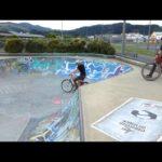 Only in New Zealand – Mit einem Lämmchen im Skatepark