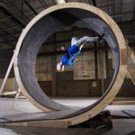 Damien Walters: Loop the Loop umano