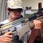 Wie man sich die Zähne mit einem Sturmgewehr putzt