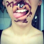 Den komiska Lip Art: En munfull Makeup