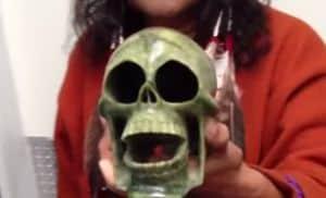 Bu Aztek ölü düdük sesi bir yaltaklanmak için