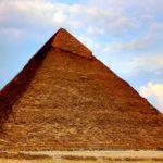 Hvordan blev pyramiderne bygget?