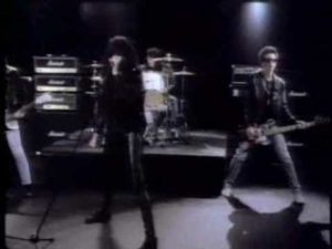 DH: Â¡Feliz Navidad (I Do not Want To Fight Tonight) - Los Ramones