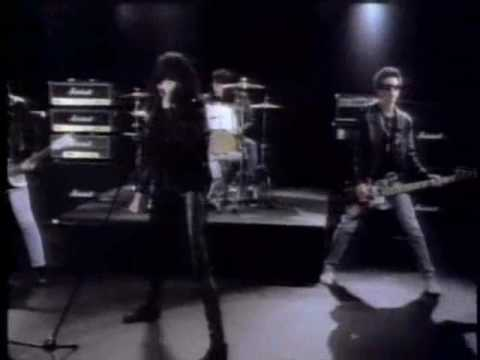 DBD: Merry Christmas (I Don't Want To Fight Tonight) – The Ramones