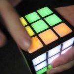 Rubiks Touch Cube: Rubiks kub nu med pekskärm