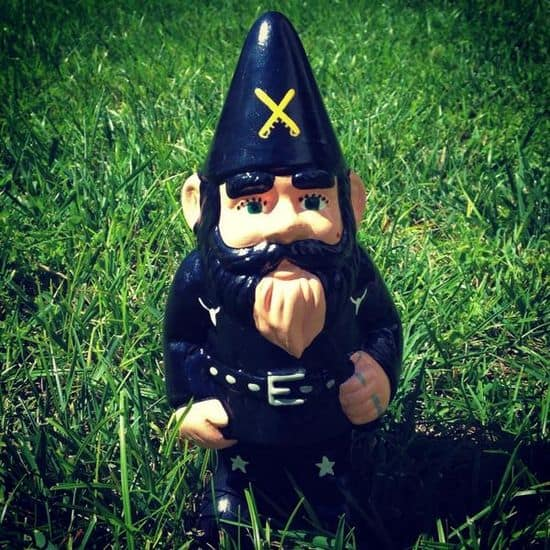 Lemmy Kilmister trädgårdstomte