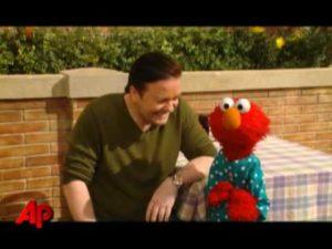 Ricky Gervais und Elmo in der Sesamstrasse