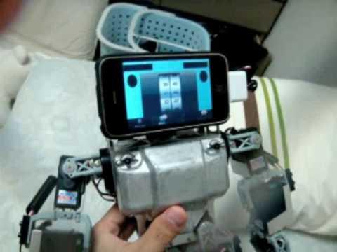 The Humanoid Robot mit iPhone 3GS Kopf