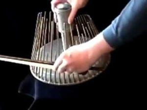 Waterphone, das Instrument für Horrorfilme