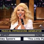 Christina Aguilera chante comme Shakira, Cher et Britney Spears