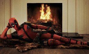 Ryan Reynolds zeigt uns das offizielle Deadpool-Kostüm
