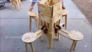 Klapptisch mit integrierten Stühlen zum Selberbauen