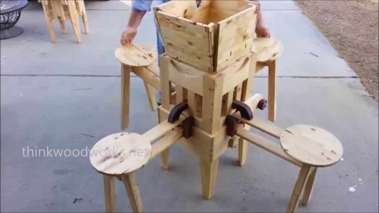 klapptisch mit integrierten st hlen zum selberbauen. Black Bedroom Furniture Sets. Home Design Ideas