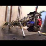 Robots empurrando-o para o limite