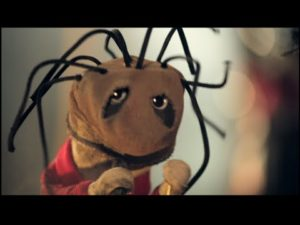 Sukka Puppet Parodia: Wait and Bleed - Vetosolmu
