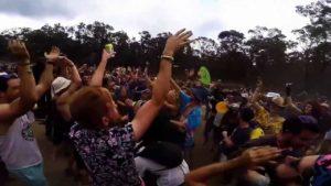 Neulich auf dem Open Air: Police Dance