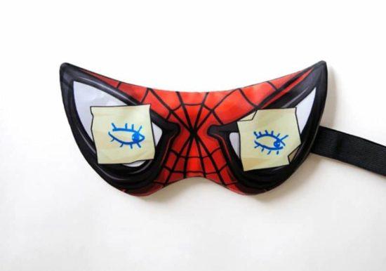 Heros Never Sleep! - Un masque de sommeil différent