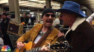 U2 spielen in der U-Bahn und keiner erkennt sie