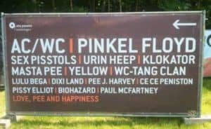 Servizi igienici Festival signpost: AC / WC und Pinkel Floyd