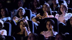 """L'Oréal lässt 100 Frauen """"Titanic"""" sehen um wasserfesten Mascara zu testen"""