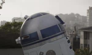 Artoo In Love: R2-D2 sucht die Liebe seines Lebens und findet einen Briefkasten