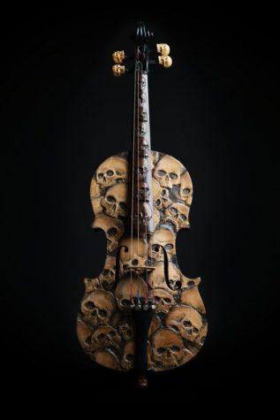 Handgefertigte Geige mit Skulls