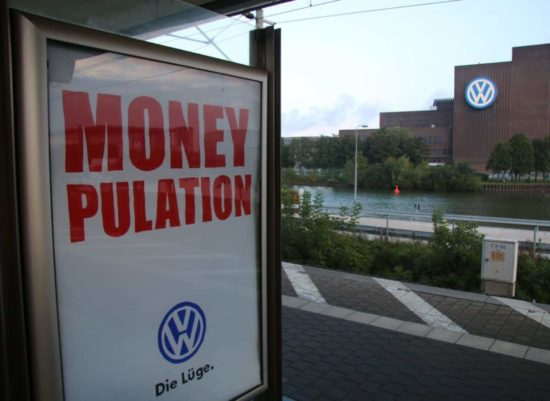 Moneypulation: Adbusting in Namen von VW