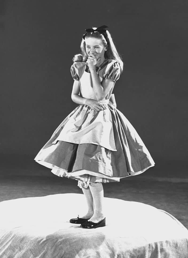 Wie Disneys Animatoren Eine Schauspielerin Nutzten Um Alice Im Wunderland Zu Zeichnen Dravens