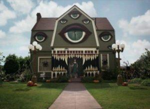Grossartig dekoriertes Haus zu Halloween