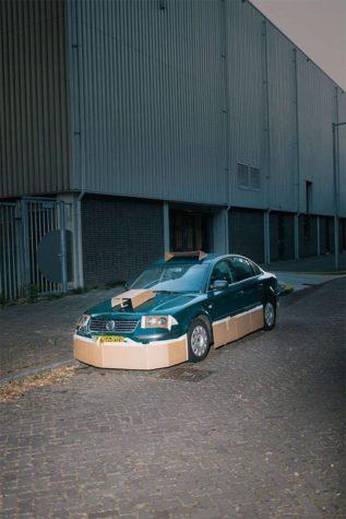 """Guerilla Car Tuning: Nachts heimlich Autos mit Pappe """"pimpen"""""""