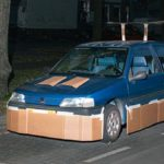 "Guerilla Car Tuning: Night secretly cars with cardboard ""pimping"""