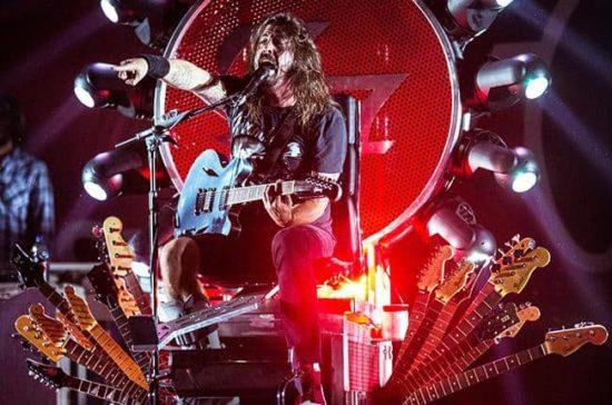 Foo Fighters widmen EP den Opfern der Anschläge von Paris und verschenken dieses
