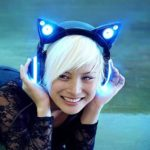 Leuchtende Katzenohrenkopfhörer
