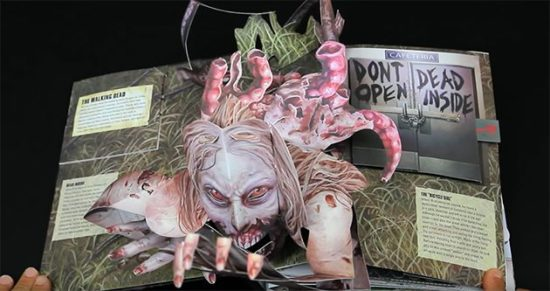 "Blutrünstiges Pop-Up Buch zu ""The Walking Dead"""