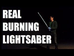 Real Burning Lightsaber: Lichtschwert als Flammenwerfer nachgebaut